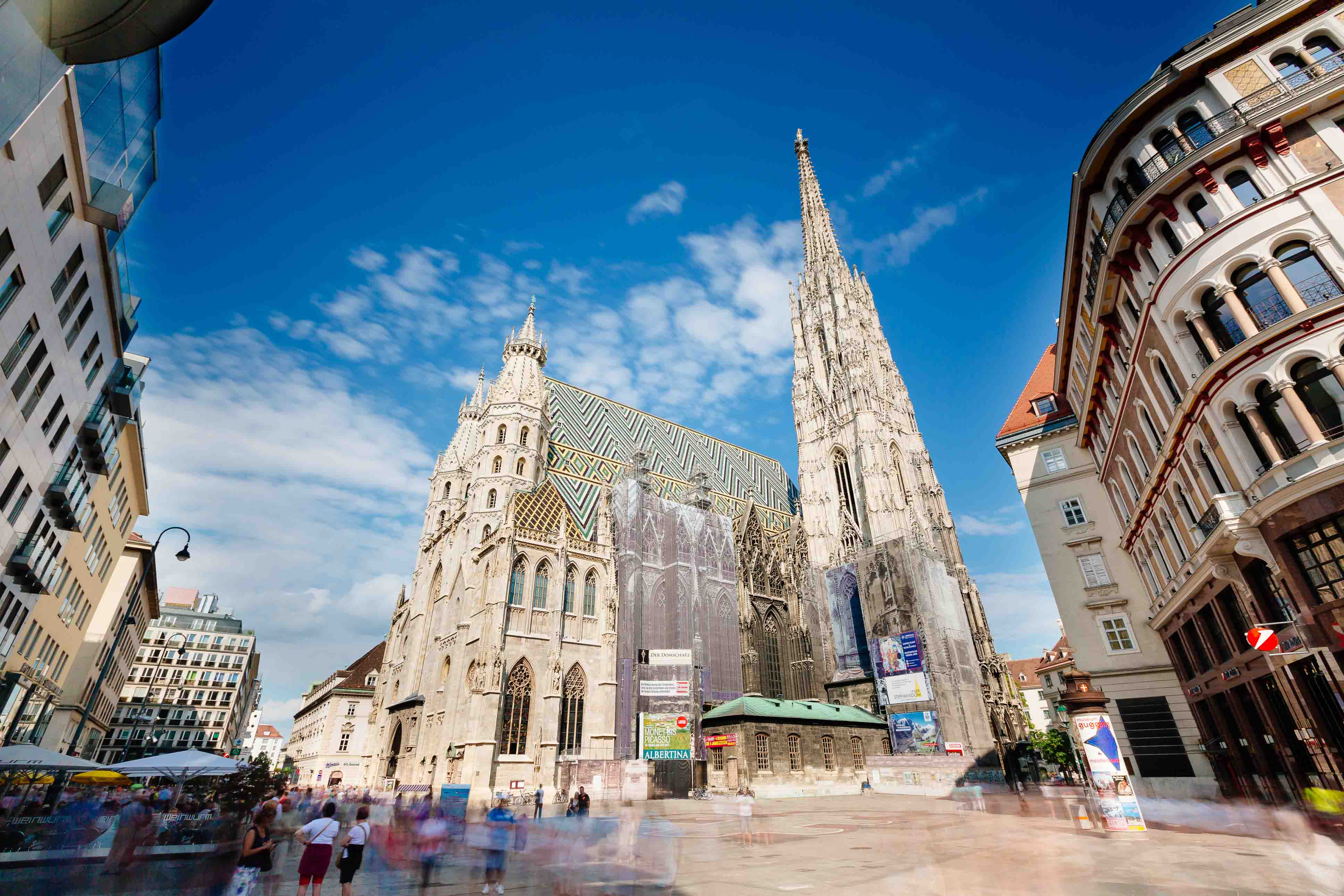 Stephansdom_VIENNA SIGHTSEEING TOURS_Bernhard Luck.jpg