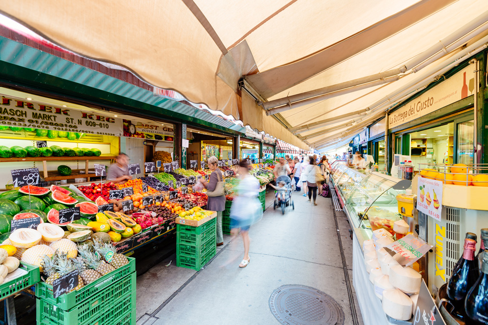 Naschmarkt in Vienna (c) VIENNA SIGHTSEEING TOURS/Bernhard Luck